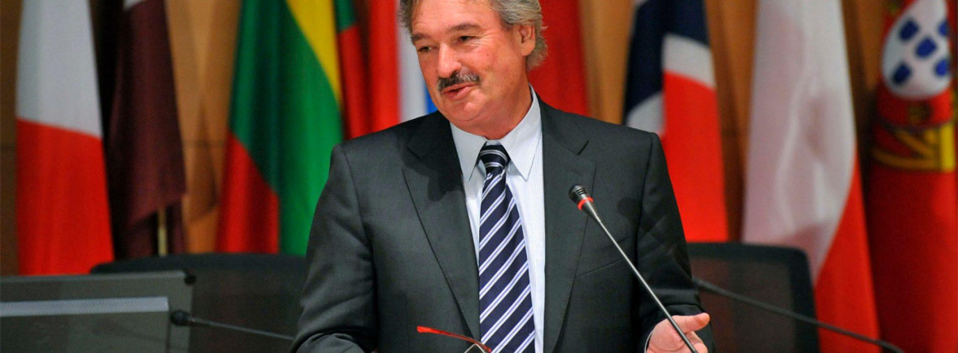 Son Dakika: AB Turkiye' nin Avrupa'ya Vizesiz Geçişini Erteledi