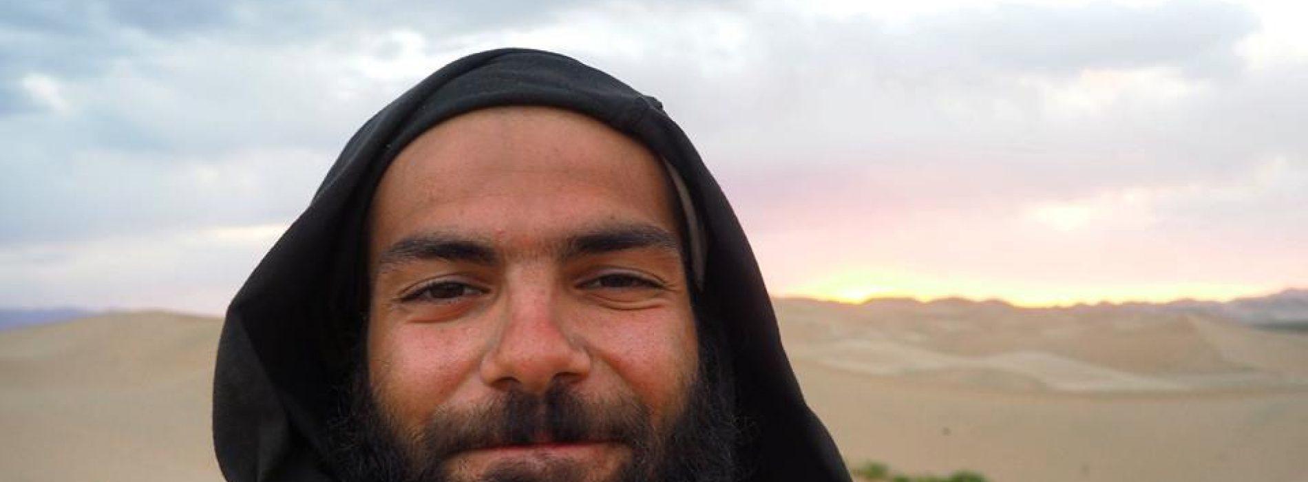 Merhaba Ben Mert; Gobi Çölünü Yürüyerek Geçtim