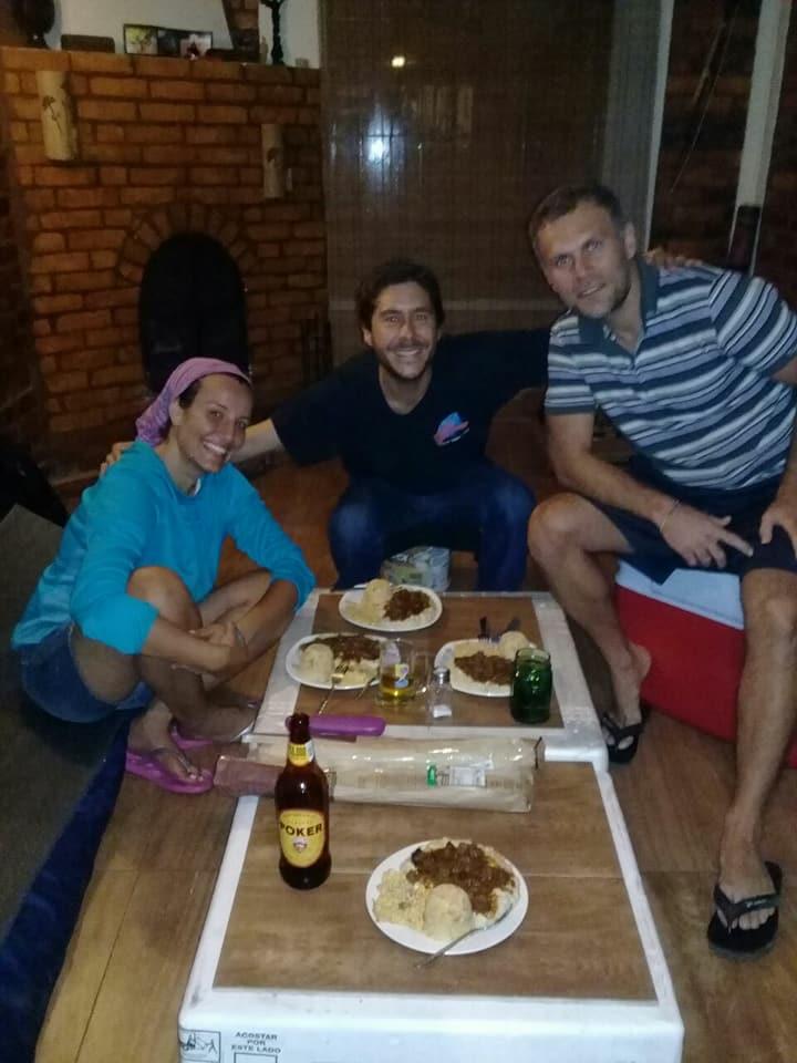 Couchsurfingden evinde kalip Turk yemegi yaptigimiz Kolombiyali arkadas